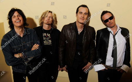 """Dean Deleo, Eric Kretz, Robert Deleo, Scott Weiland The Stone Temple Pilots, from left, Dean Deleo, Eric Kretz, Robert Deleo, and Scott Weiland from the band Stone Temple Pilots, pose for a portrait in Santa Monica, Calif. In a one-sentence news release, publicist Kymm Britton said: """"Stone Temple Pilots have announced they have officially terminated Scott Weiland."""" No other information was provided"""