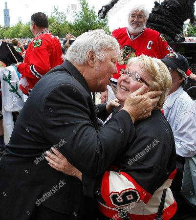 Bobby Hull Chicago Blackhawks legend Bobby Hull kisses a fan as he enters the United Center before the start of Game 5 of the NHL Stanley Cup hockey finals between the Blackhawks and the Philadelphia Flyers, in Chicago