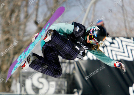 Hannah Teter Hannah Teter flies through the air at the U.S. Open snowboard championships in Stratton, Vt., . Teter finished fourth