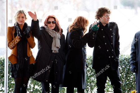 Priscilla Presley, Lisa Marie Presley, Benjamin Keough, Riley Keough Priscilla Presley, second from left, her daughter, Lisa Marie, second from right, and Lisa Marie's children, Riley Keough, 21, left, and Benjamin Keough, 18, right, take part in a ceremony commemorating Elvis Presley's 75th birthday on in Memphis, Tenn