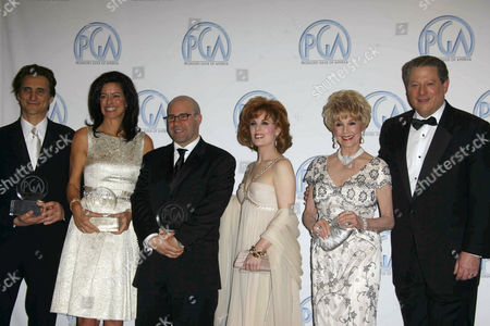 Lawrence Bender, Laurie David, Scott Burns, Kat Kramer, Karen Sharpe Kramer and Al Gore