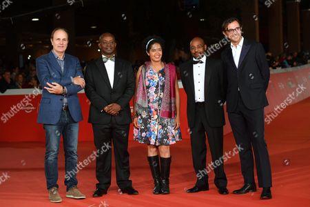 The director Brando Quilici with cast: Paula Kahumbu, Peter Kinyua, John Macharia, Corsini