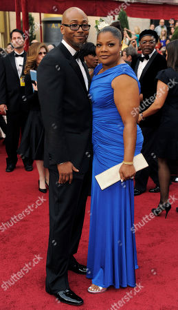 Mo'Nique, Sidney Hicks Mo'Nique arrives with her husband, Sidney Hicks to the 82nd Academy Awards, in the Hollywood section of Los Angeles