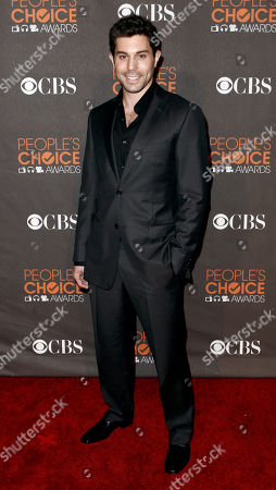 Micah Sloat Micah Sloat arrives at the People's Choice Awards, in Los Angeles