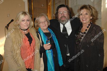 Caroline Aherne, Liz Smith, Ricky Tomlinson and Sue Johnston
