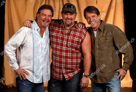 Bill Engval, Jeff Foxworthy, Larry the Cable Guy Blue Collar comedians from left, Bill Engvall, Larry the Cable Guy and Jeff Foxworthy are shown in Nashville, Tenn