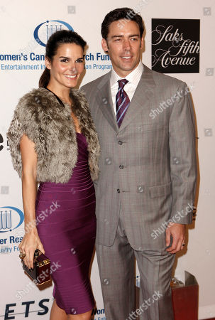 Angie Harmon, Jason Sehorn Angie Harmon, left, and Jason Sehorn arrive at the 13th Annual Unforgettable Evening benefiting the Entertainment Industry Foundation's Women's Cancer Research Fund in Beverly Hills, Calif. on