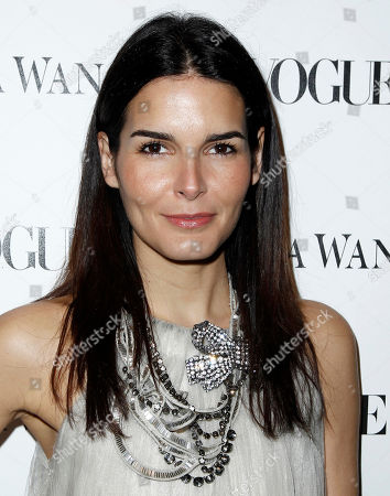 Angie Harmon Angie Harmon arrives at the Vogue Magazine dinner celebrating the launch of the Vera Wang store on Melrose in West Hollywood, Calif. on