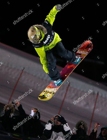 Gretchen Bleiler Gretchen Bleiler of Aspen, Colo., flies over spectators on her way to winning the women's superpipe final at the Winter X Games at Buttermilk Mountain outside Aspen, Colo., on