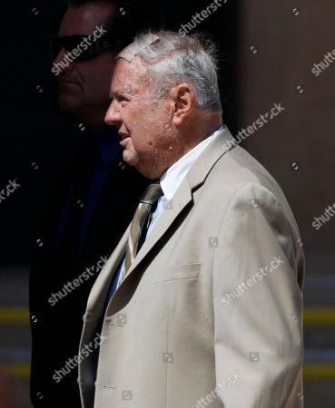 Dick Van Patten Dick Van Patten arrives at the funeral services for actress Farrah Fawcett in Los Angeles