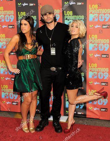 "Stock Photo of Dakota Pike, AJ Lamas, Shayne Lamas From left, Dakota Pike, AJ Lamas and Shayne Lamas arrive at the ""Los Premios MTV 2009"", at the Gibson Amphitheatre in Universal City, Calif"