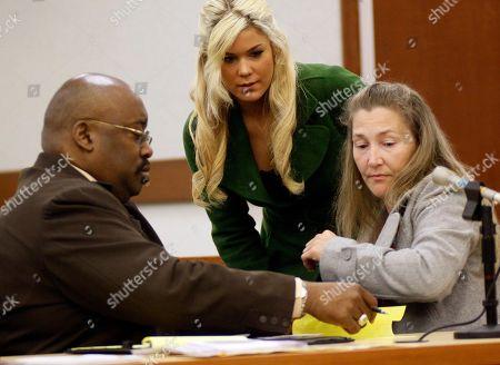 Levi Johnston's mother Sherry Johnston, right, and sister Mercede Johnston, center, speak to attorney Rex Butler in a Palmer, Alaska court