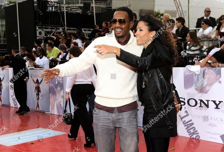 "Bill Bellamy, Kristen Bellamy Bill Bellamy and his wife Kristen arrive to the premiere of Michael Jackson's ""This Is It"", in Los Angeles"