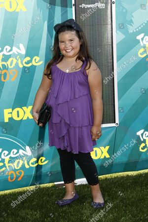 Madison De La Garza Madison De La Garza arrives at the Teen Choice Awards, in Universal City, Calif