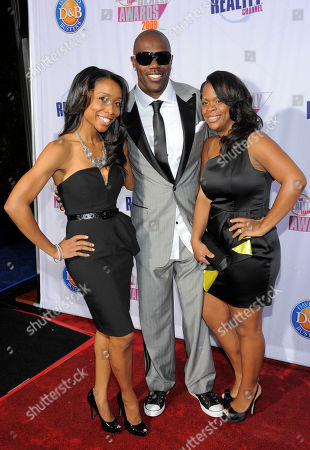 Terrell Owens, Kita Williams, Monique Jackson Terrell Owens, center, arrives with Kita Wiliams, left, and Monique Jackson at the 2009 Fox Reality Channel Really Awards in Los Angeles