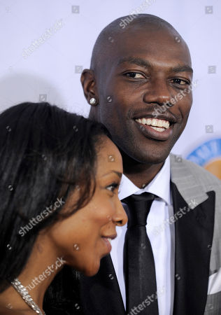 Terrell Owens, Kita Williams Terrell Owens, right, and Kita Williams arrive at the 2009 Fox Reality Channel Really Awards in Los Angeles
