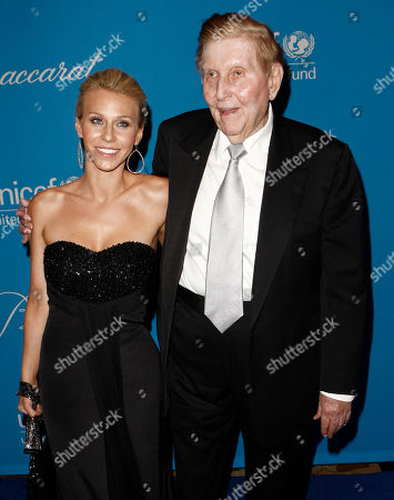 Sumner Redstone, Malia Andelin Sumner Redstone, right, and Malia Andelin arrive at the UNICEF Ball honoring producer Jerry Weintraub in Beverly Hills, Calif. on
