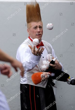 Bello Nock Clown Bello Nock juggles during a spring training baseball game in Fort Myers, Fla