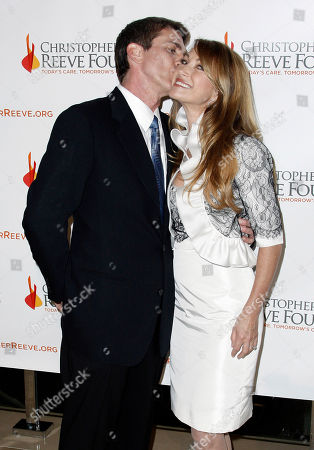 Jane Seymour, Joe Lando Jane Seymour, right, and Joe Lando pose together at the 4th Annual Christopher and Dana Reeve Foundation Gala in Beverly Hills, Calif. on