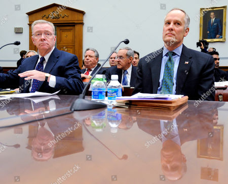Richard Syron, Daniel Mudd Former Freddie Mac CEO Richard Syron, left, and former Fannie Mae CEO Daniel Mudd wait to testify on Capitol Hill in Washington. The former Countrywide Financial Corp., whose subprime loans helped start the nation's foreclosure crisis, made hundreds of discount loans to buy influence with members of Congress, congressional staff, top government officials and executives of troubled mortgage giant Fannie Mae, according to a House report