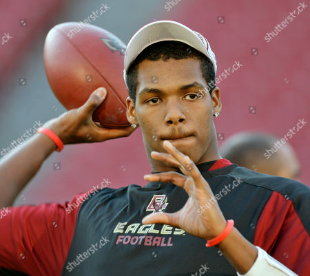 Dominique Davis Showing Boston College quarterback Dominique Davis throwing the ball during an informal ACC championship football practice in Tampa, Fla. East Carolina coach Lou Holtz said, that former Boston College quarterback Dominique Davis is one of three junior-college transfers who signed letters of intent to play for East Carolina
