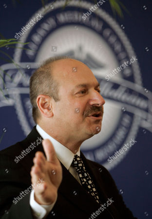 """Bruce Beutler FILE - In this April 24, 2009 photo, Dr. Bruce Beutler of the Scripps Research Institute in La Jolla, Calif., speaks during a news conference in Albany, N.Y., The Nobel committee says American Bruce Beutler and Luxembourg-born scientist Jules Hoffmann have shared the 2011 Nobel Prize in medicine with Canadian-born Ralph Steinman on . Beutler and Hoffmann were cited """"for their discoveries concerning the activation of innate immunity"""
