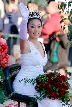 Courtney Lee Rose Queen Courtney Lee, 17, of Arcadia High School waves as she passes along Colorado Blvd. during the 120th Rose Parade in Pasadena Calif