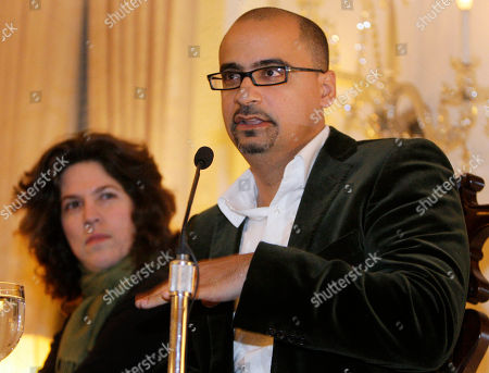 """Junot Diaz, Achy Obejas Pulitzer prize winning novelist Junot Diaz, right, talks about his book, """"The Brief Wondrous Life of Oscar Wao,"""" along with author Achy Obejas, left, during a book presentation in New York. The book earned Diaz the 2008 Pulitzer Prize for Literature. Obejas, a fiction writer and poet, translated the novel into Spanish"""