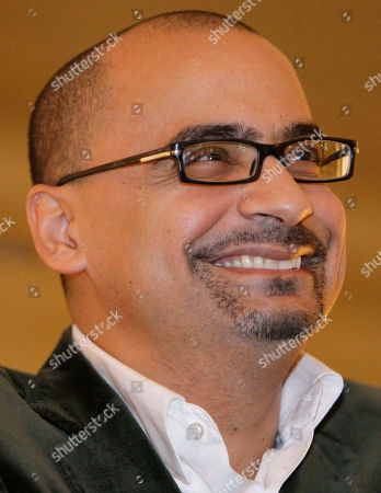 """Junot Diaz Pulitzer prize winning novelist Junot Diaz answers questions about his book, """"The Brief Wondrous Life of Oscar Wao,"""" during a book presentation in New York"""