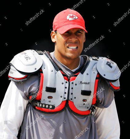Stock Image of Donnie Edwards Kansas City Chiefs' Donnie Edwards during training camp in River Falls, Wis