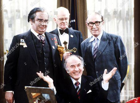 'Whoops Apocalypse' - 1982 - Richard Griffiths, John Barron, Peter Jones and Barry Morse.