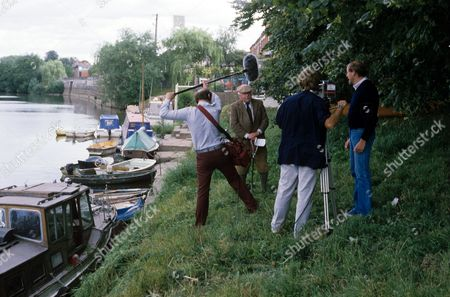 Terry Thomas being filmed on location for 'Heart of the Country' 1986