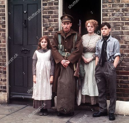 'Holding On' - 1977 - Jayne Twinn, John Nettles, Mary Healey and Jamie Foreman