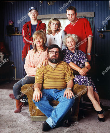 'The Royle Family' - 1998 - Ralf Little, Caroline Aherne and Craig Cash, Sue Johnston, Ricky Tomlinson and Liz Smith.