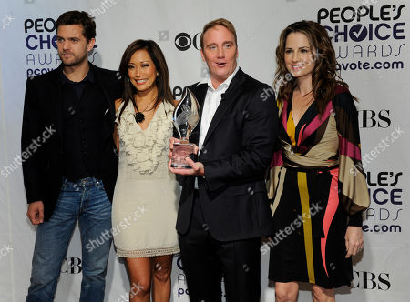 Joshua Jackson, Carrie Ann Inaba, Jay Mohr, Paula Marshall Left to right, Joshua Jackson, Carrie Ann Inaba, Jay Mohr and Paula Marshall pose before announcing nominations for the 35th Annual People's Choice Awards, in Beverly HIlls, Calif., . The show will be held on Jan. 7, 2009 at the Shrine Auditorium in Los Angeles