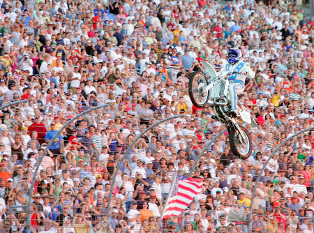 Robbie Knievel Motorcycle stunt driver Robbie Knievel successfully jumps over 21 Hummers prior to an IRL race at Texas Motor Speedway in Fort Worth, Texas