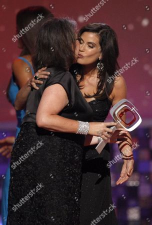 Terri Hatcher, Roseanne Barr Terri Hatcher, right, presents Roseanne Barr with an award at the TV Land Awards on in Santa Monica, Calif