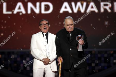 Robin Williams, Jonathan Winters Robin Williams, left, presents Jonathan Winters with the pioneer award at the TV Land Awards on in Santa Monica, Calif