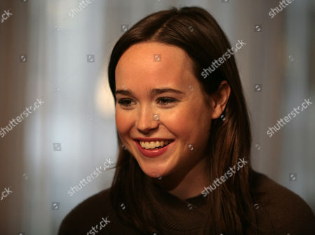 "Tony Potts, Ellen Page Actress Ellen Page is interviewed by ""Access Hollywood"" correspondent Tony Potts, not shown, during a taping of a segment for the show at The London hotel in New York. Page snagged a best actress Golden Globe nomination for her work in the comedy ""Juno"