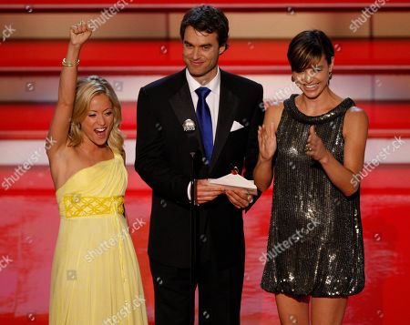 """Marcy Rylan; Murray Bartlett; Michelle Ray Smith Actors Marcy Rylan,left, Murray Bartlett,center, and Michelle Ray Smith present the Emmy for """"Outstanding Drama Series Writing Team"""" at the 34th Annual Daytime Emmy Awards in Los Angeles"""