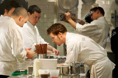 Grant Achatz Chef Grant Achatz, right, supervises the preparation of one of the many courses in the Alinea restaurant kitchen in Chicago. On, Alinea and one other Chicago restaurant, L20, received the rare and coveted three-star rating in the city's first edition of the Michelin Guide