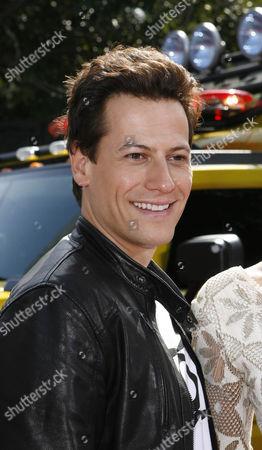 Ioan Gruffud arrives at the MTV Movie Awards in Los Angeles, Calif