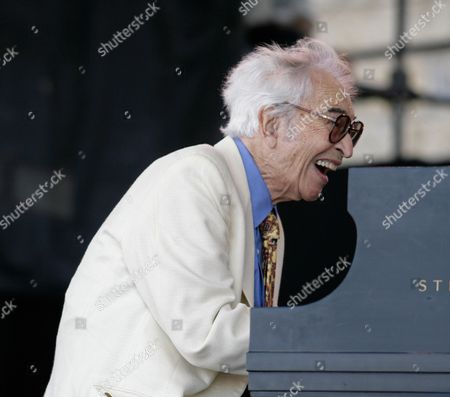 Dave Brubeck Dave Brubeck plays the piano as he performs with the Dave Brubeck Quartet, in Newport, R.I