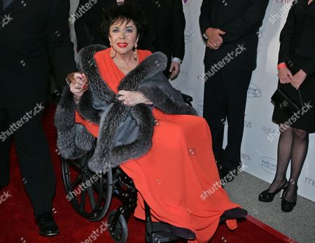 "TAYLOR Elizabeth Taylor arrives at Paramount Studios in the Hollywood section of Los Angeles to give a benefit performance of A.R. Gurney's play ""Love Letters"" for the Elizabeth Taylor HIV/AIDS Foundation. Publicist Sally Morrison says the actress died in Los Angeles of congestive heart failure at age 79"