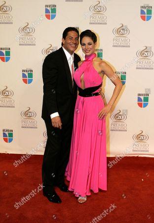 Karyme Lozano Karyme Lozano and guest on the red carpet for the Premio Lo Nuestro Latin Music Awards in Miami Thursday, Feb.21, 2008