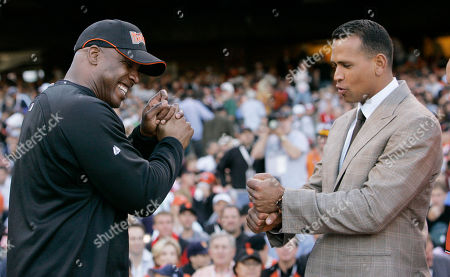 Stock Picture of Alex Rodriguez, Barry Bonds American League's Alex Rodriguez, right, of the New York Yankees, compares grips with National League's Barry Bonds, of the San Francisco Giants, during the All-Star Home Run Baseball Derby in San Francisco. Rodriguez is getting hitting tips from Bonds as the Yankees third baseman prepares to return from a season-long suspension. Rodriguez spokesman Ron Berkowitz confirmed the workouts, which the San Francisco Chronicle reported, took place at the Future Prospects batting cages in San Rafael, Calif