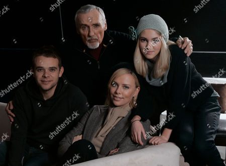 """Nick Stahl, Dennis Hopper, Anna Sophia Robb, Anna Sophia Robb The cast of the film """"Sleepwalking,"""" clockwise from left, Nick Stahl, Dennis Hopper, Anna Sophia Robb and Charlize Theron, pose before an interview during the Sundance Film Festival in Park City, Utah, on"""