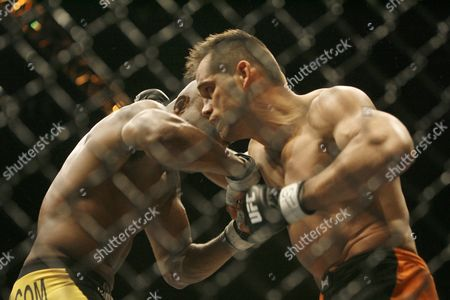 Anderson Silva, Rich Franklin Anderson Silva, left, and Rich Franklin, right, exchange punches during their UFC middleweight title fight in Cincinnati. Silva won with a technical knockout in the second round