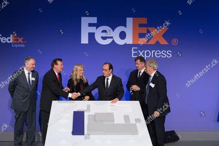 A guest, David J. Bronczeck, Jane Hartley, Francois Hollande, Augustin de Romanet and Alain Chaille