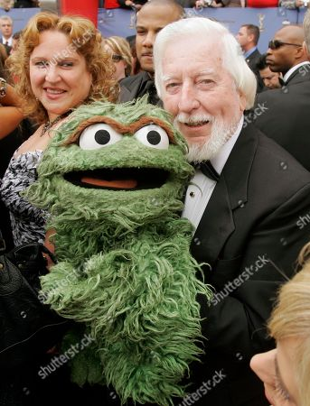 Caroll Spinney Caroll Spinney, the puppeteer who plays the roles of Big Bird and Oscar the Grouch on ?Sesame Street,? arrives for the 33rd Annual Daytime Emmy Awards in Los Angeles, . Spinney is expected to receive a Lifetime Achievement Award this evening